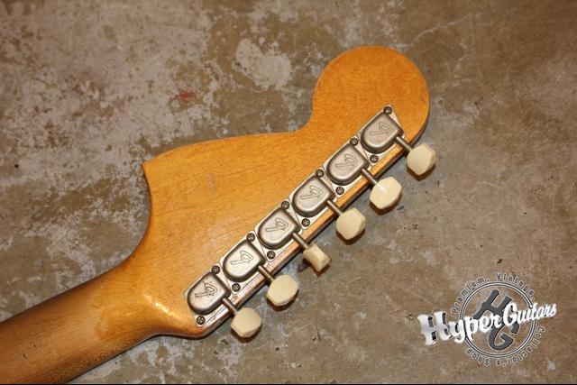 Fender '65 Mustang