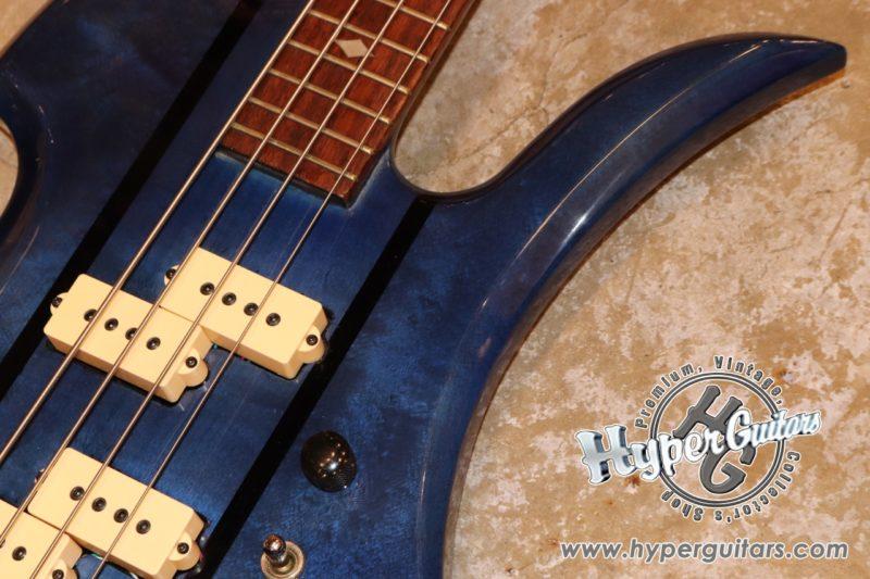 B.C.Rich 80's Mockingbird Bass