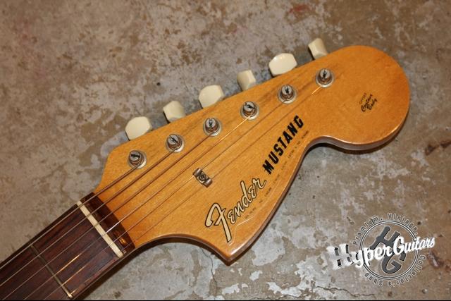 Fender '66 Mustang